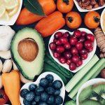¿Qué nutrientes debes cuidar si eres vegano?